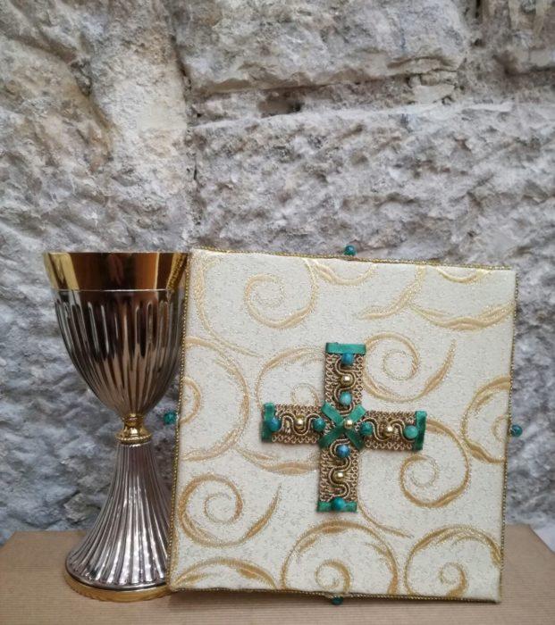 Paramenti e accessori liturgici